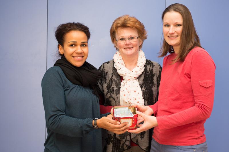 FSG Medizin Spendenübergabe an Schulförderverein des Förderzentrum Dr. Friedrich Wolf